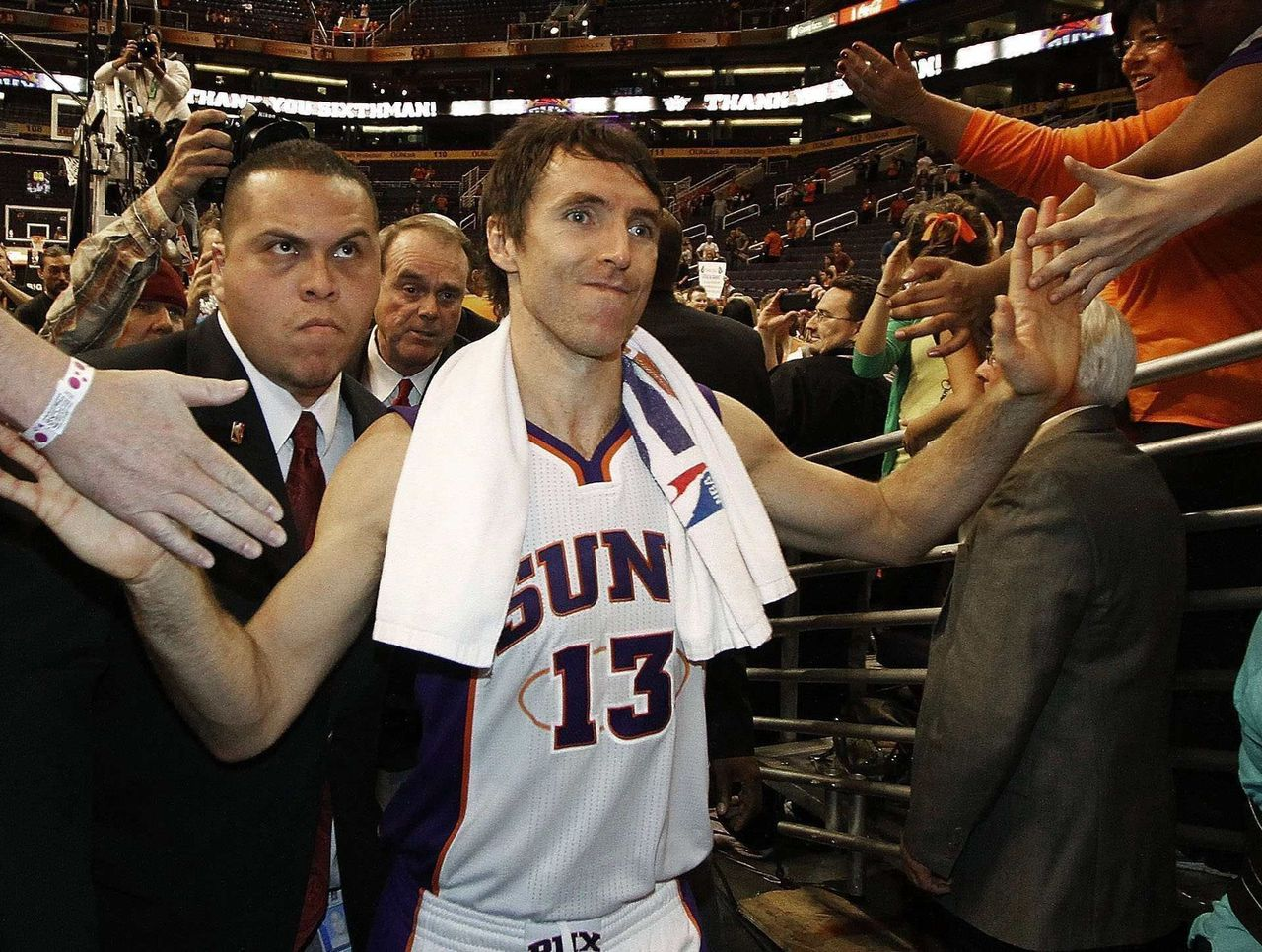 Suns to induct Steve Nash into team's Ring of Honor ...