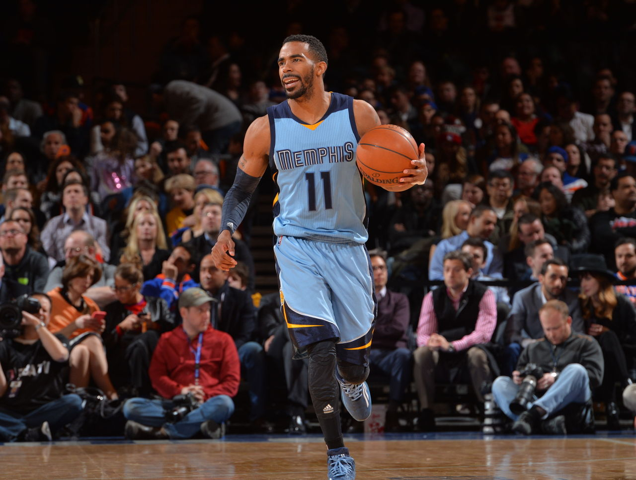 Report: Grizzlies, Conley agree to biggest contract in NBA history