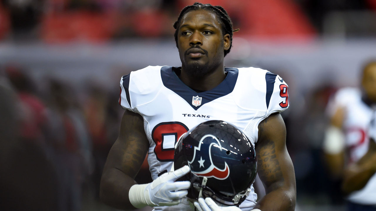 Clowney says prison suit costume not a shot at McNair's inmate comments