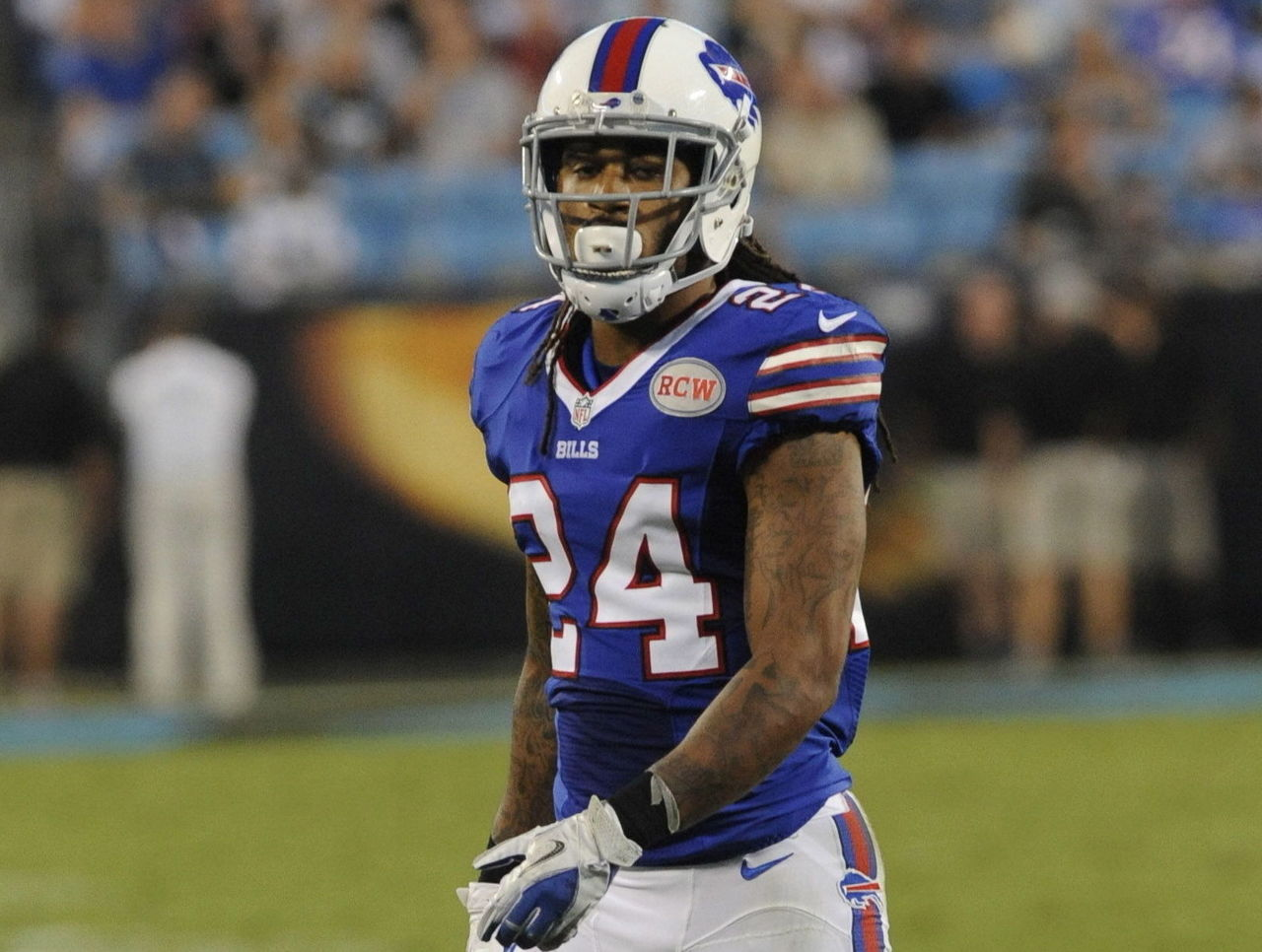 Report: Bills won't apply franchise tag on Gilmore