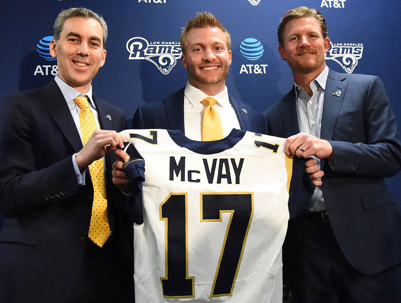 Cropped_2017-01-13t210212z_2069536631_nocid_rtrmadp_3_nfl-los-angeles-rams-sean-mcvay-press-conference