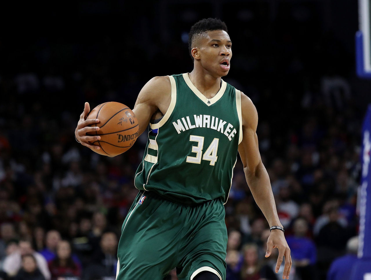 Cropped 2016 12 29t033342z 1608996729 nocid rtrmadp 3 nba milwaukee bucks at detroit pistons