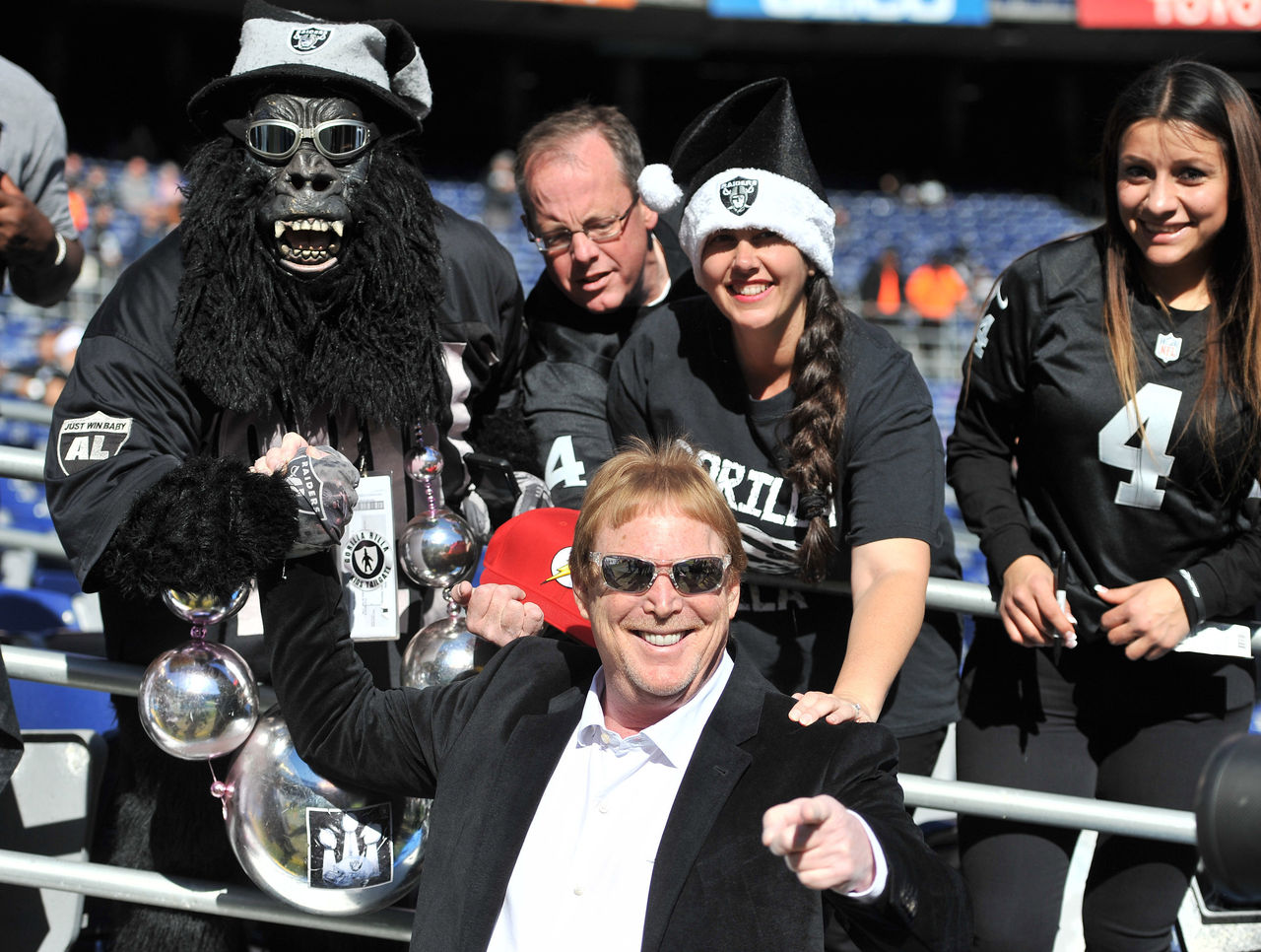 Cropped 2016 12 18t202614z 2008414381 nocid rtrmadp 3 nfl oakland raiders at san diego chargers