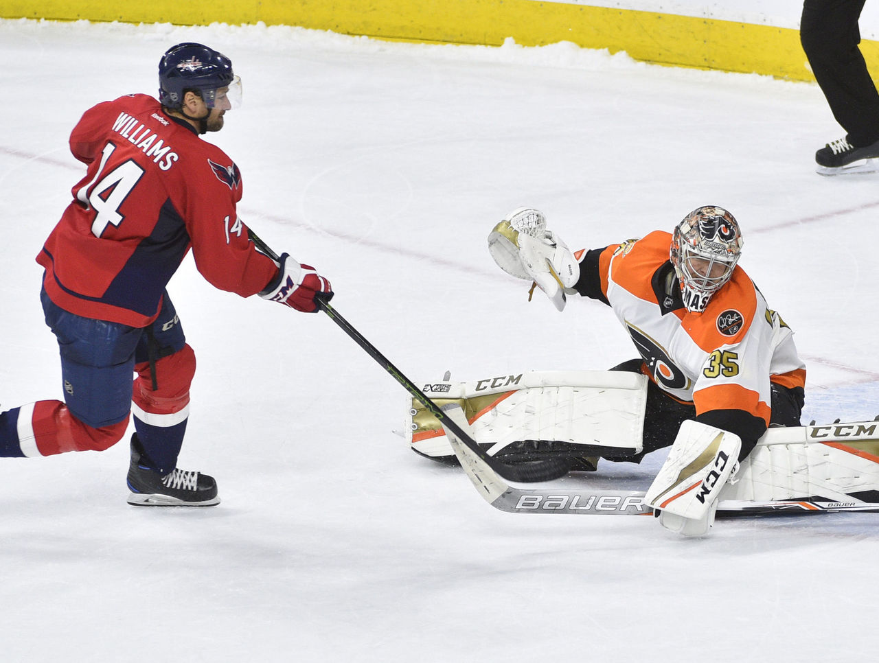 Cropped 2016 12 22t041503z 1989522549 nocid rtrmadp 3 nhl washington capitals at philadelphia flyers