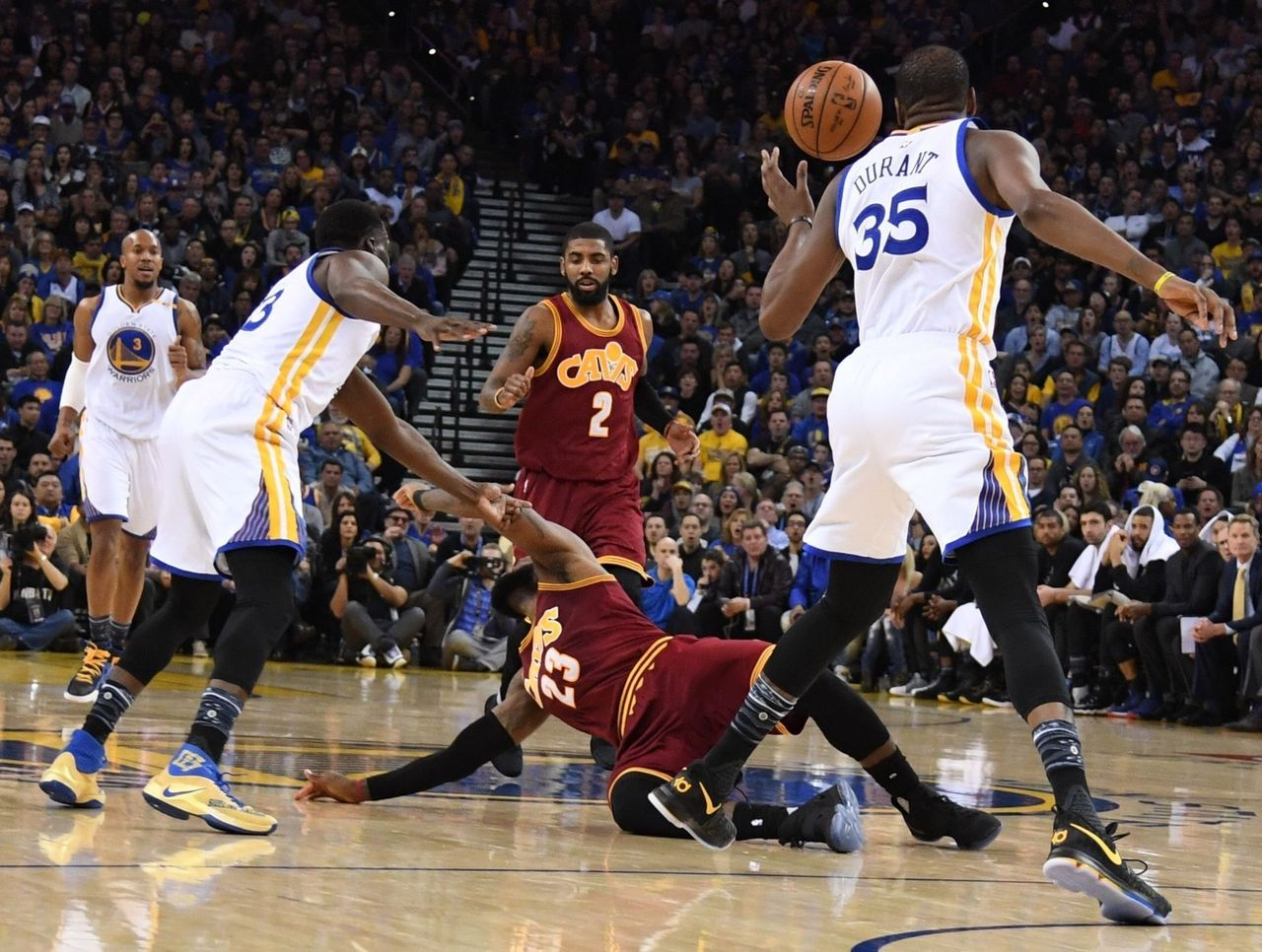 Cropped 2017 01 17t015253z 1490429197 nocid rtrmadp 3 nba cleveland cavaliers at golden state warriors