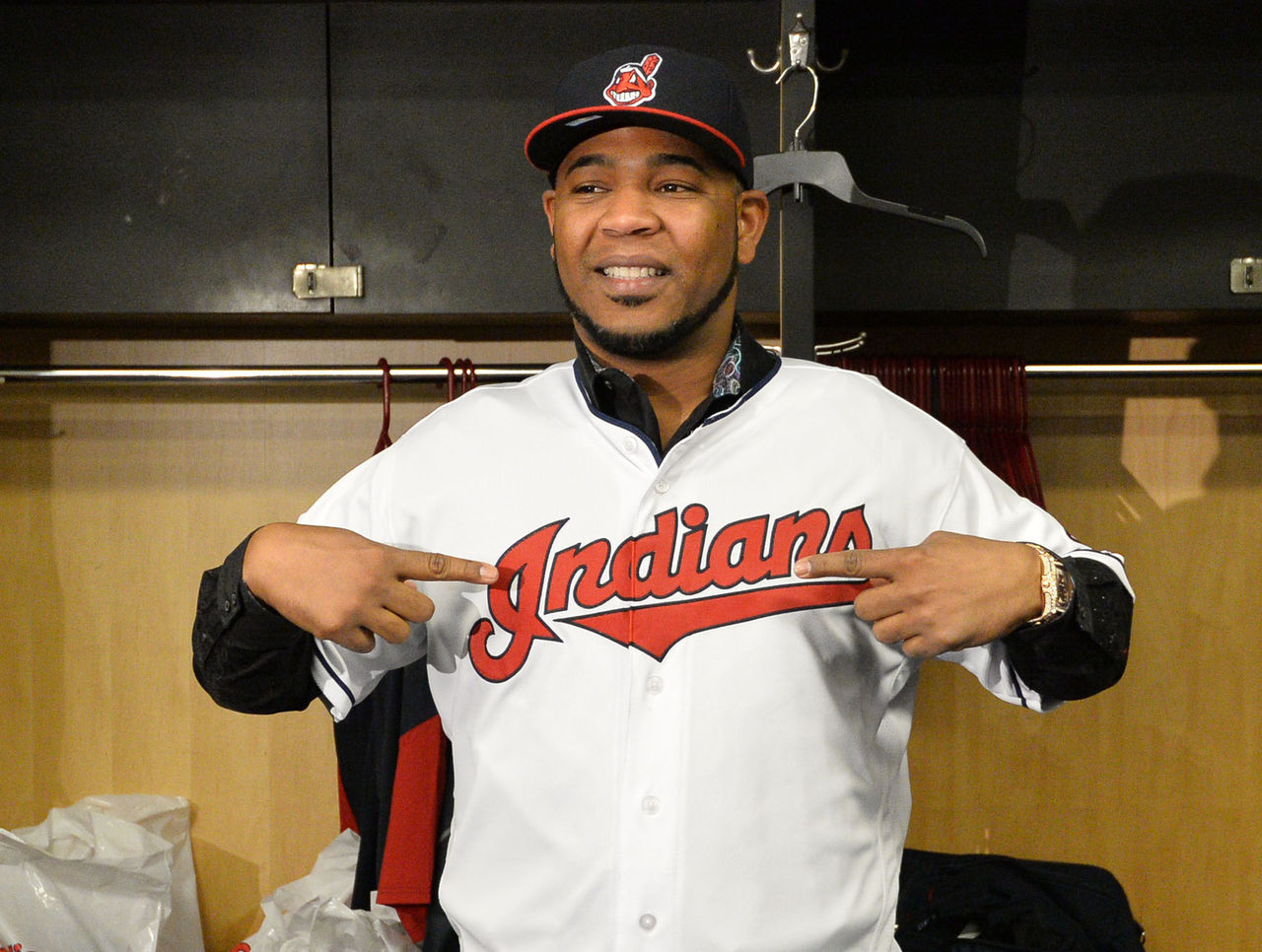 Cropped 2017 01 05t165121z 494660927 nocid rtrmadp 3 mlb cleveland indians edwin encarnacion press conference