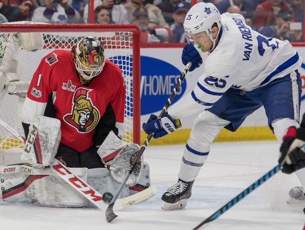 Cropped 2017 01 15t010109z 720515865 nocid rtrmadp 3 nhl toronto maple leafs at ottawa senators