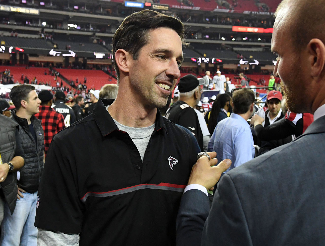 Report: Falcons won't allow Shanahan to bring top assistants to 49ers