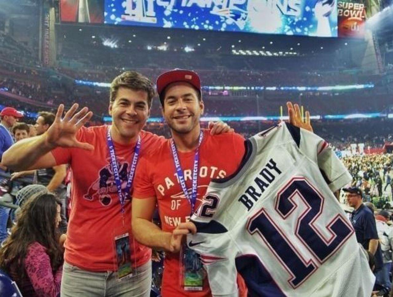 Fan claims he stole Brady's jersey in Instagram post