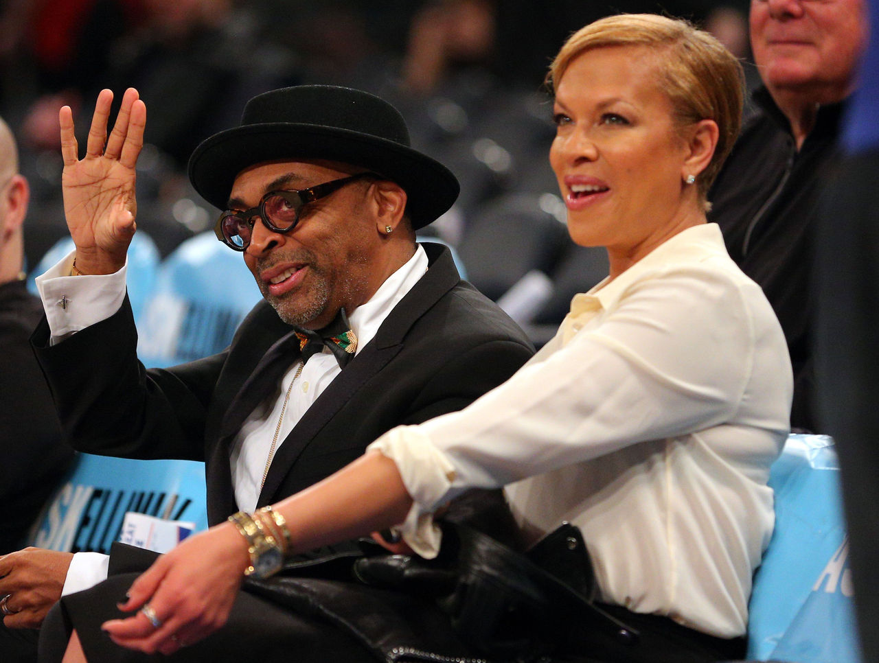 Knicks fan Spike Lee prefers Melo, offers to pack Phil Jackson's bags