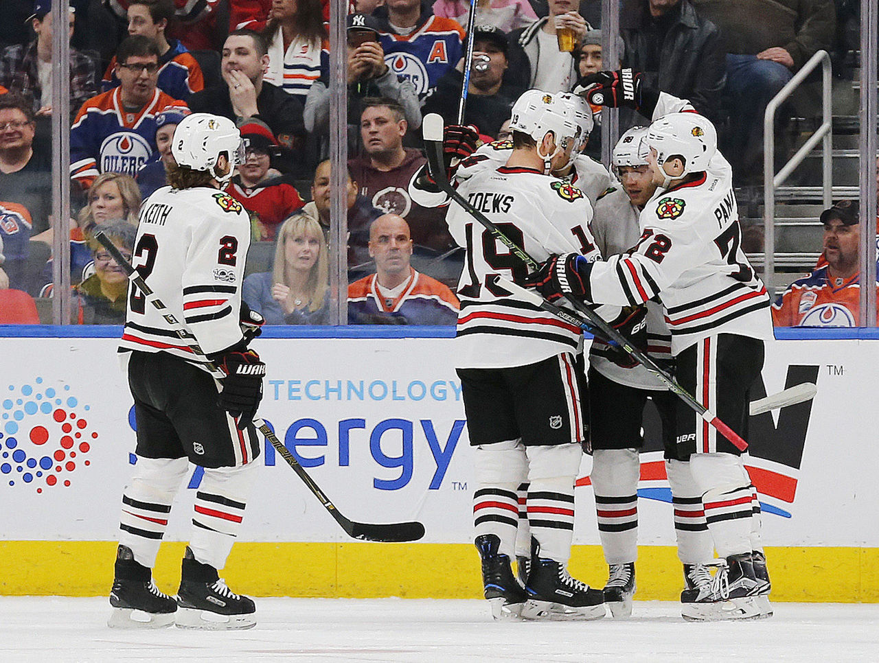 Cropped_2017-02-12t040833z_650247404_nocid_rtrmadp_3_nhl-chicago-blackhawks-at-edmonton-oilers