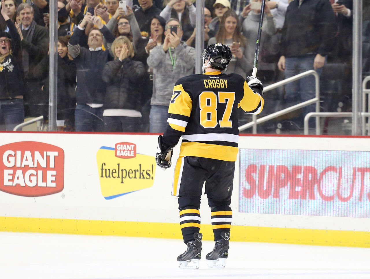 Cropped 2017 02 17t010802z 1469805413 nocid rtrmadp 3 nhl winnipeg jets at pittsburgh penguins