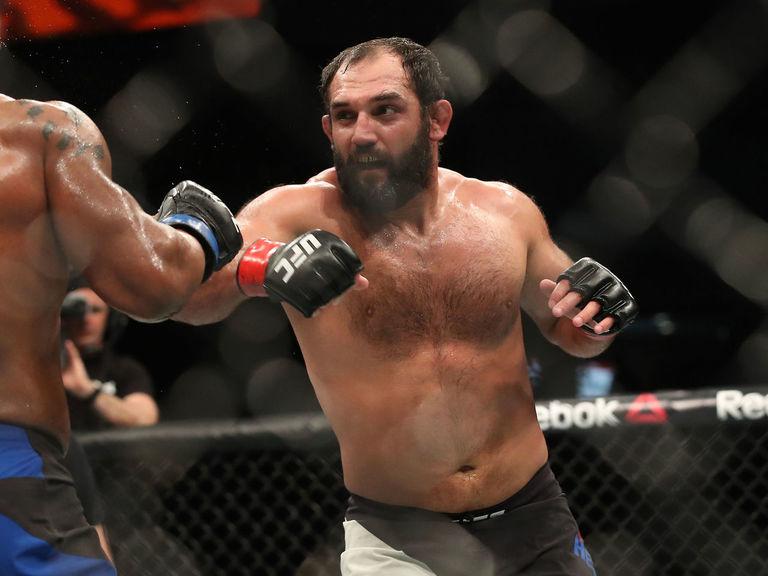 Hendricks wins unanimous decision over Lombard in 1st fight at 185 lbs