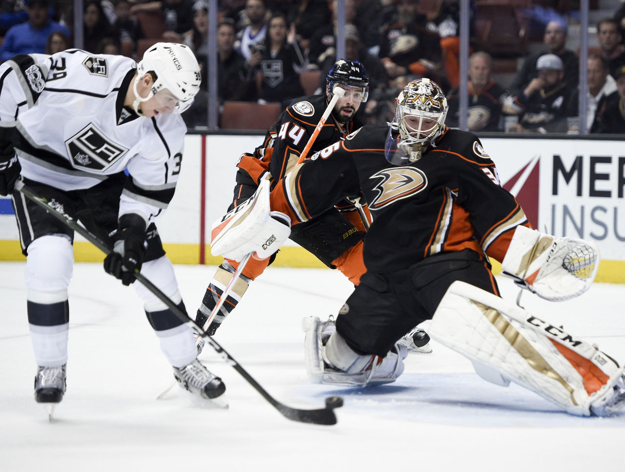 Cropped 2017 02 20t044002z 1066541314 nocid rtrmadp 3 nhl los angeles kings at anaheim ducks
