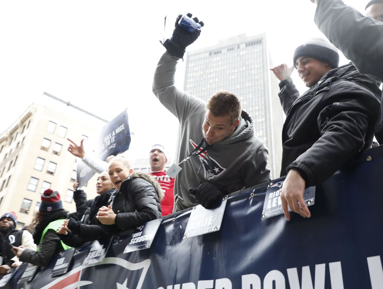 Cropped 2017 02 07t212042z 857268524 nocid rtrmadp 3 nfl super bowl li champions new england patriots parade