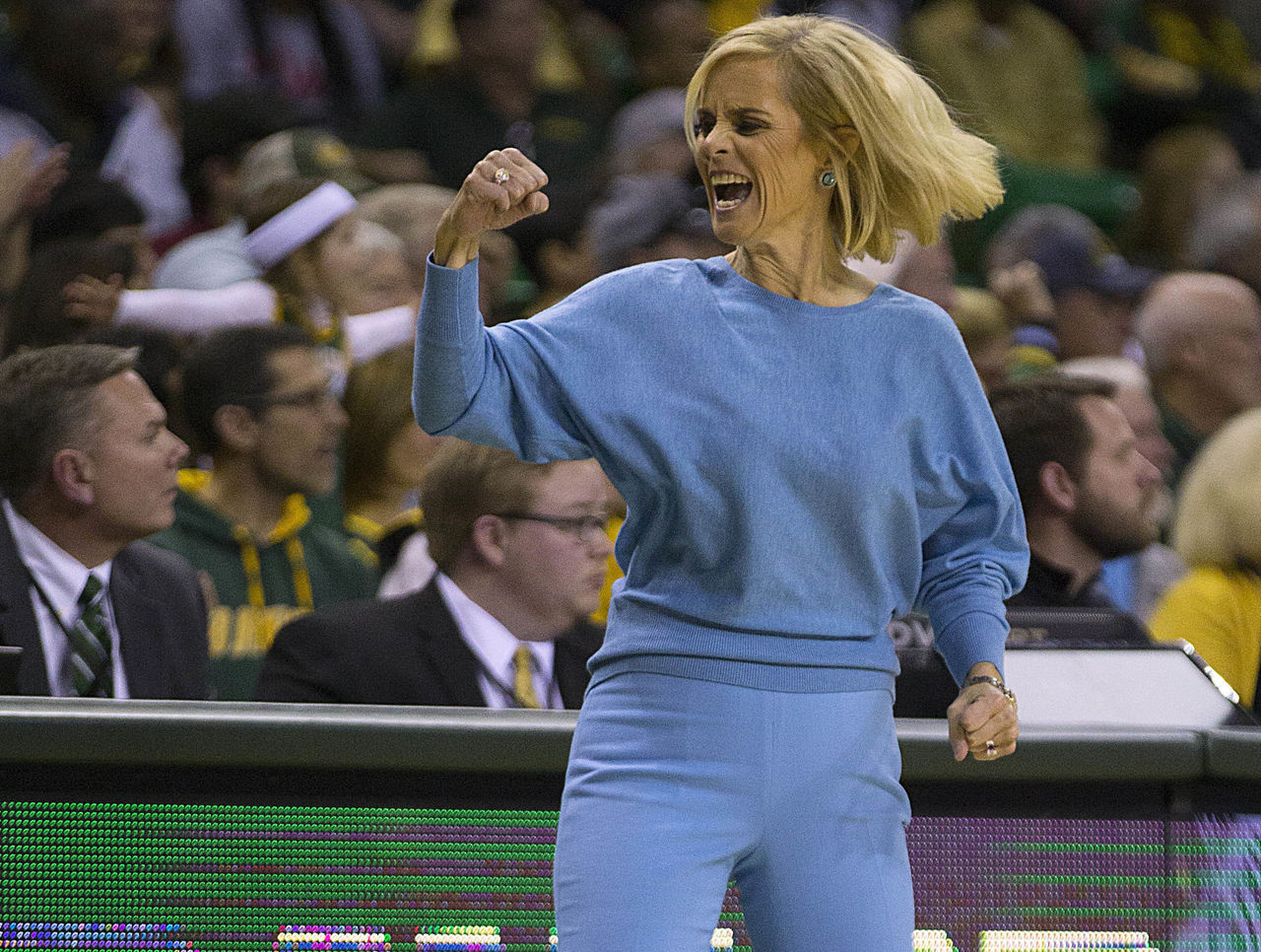 Cropped 2017 01 30t021351z 754252416 nocid rtrmadp 3 ncaa womens basketball oklahoma at baylor