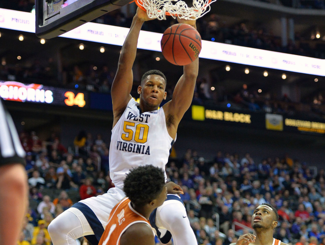 Cropped_2017-03-10t022856z_2077920338_nocid_rtrmadp_3_ncaa-basketball-big-12-championship-west-virginia-vs-texas
