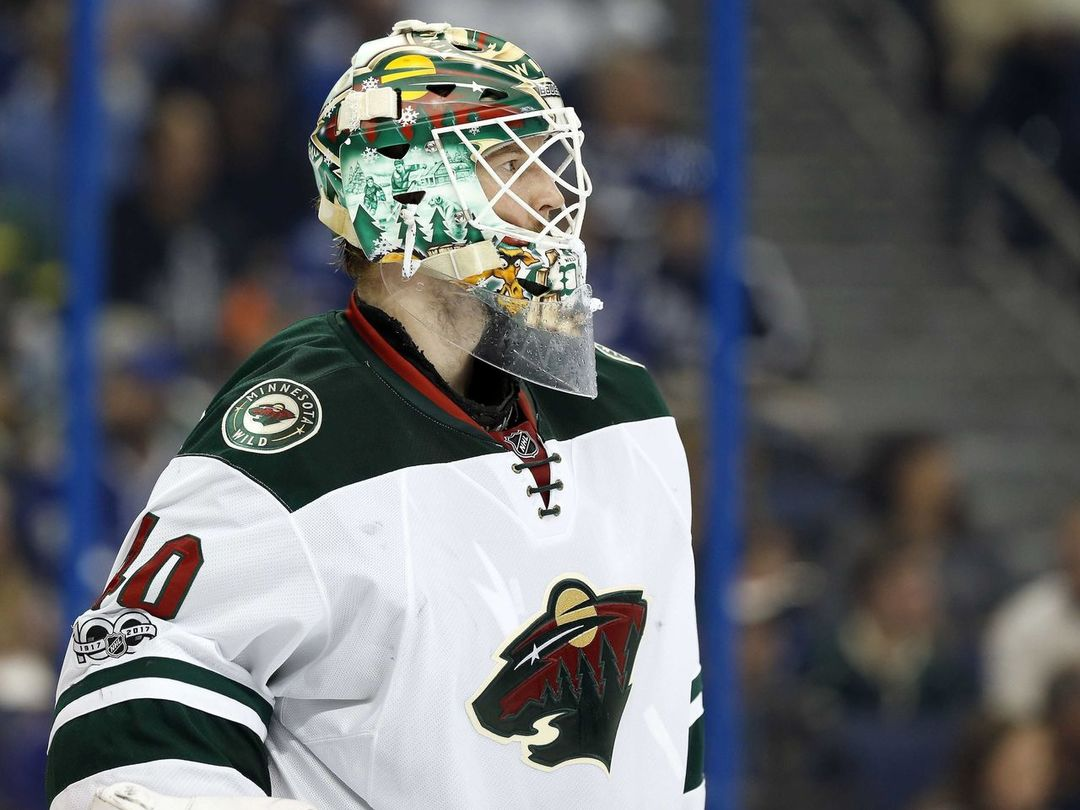 Watch: Dubnyk sprawls out to make Hasek-like save on Nyquist