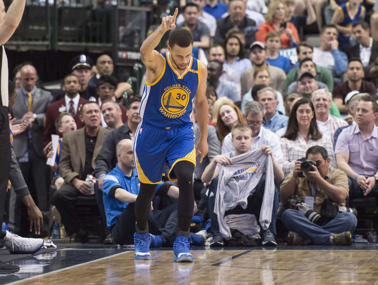Cropped 2017 03 22t015612z 820823492 nocid rtrmadp 3 nba golden state warriors at dallas mavericks