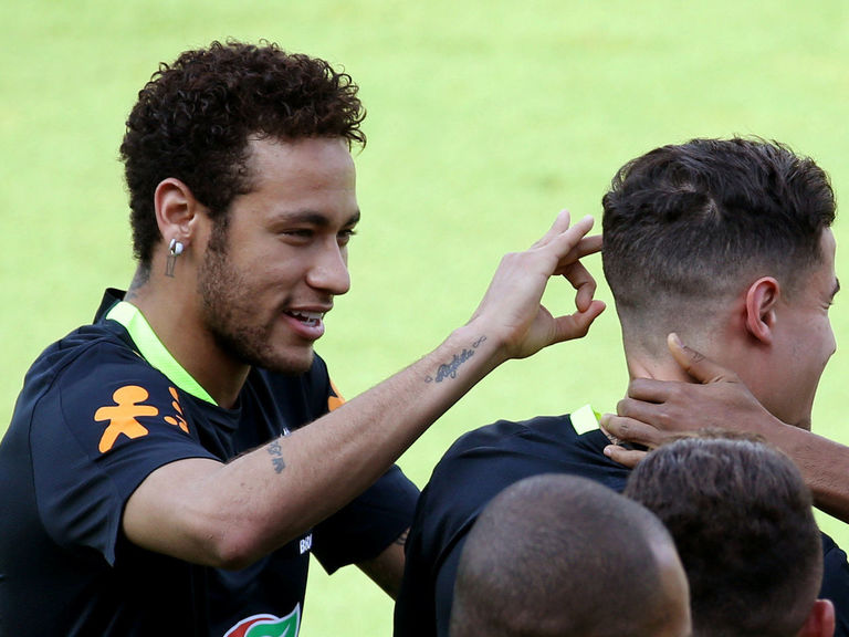 Neymar: 'Coutinho is a player that would totally fit in Barcelona'