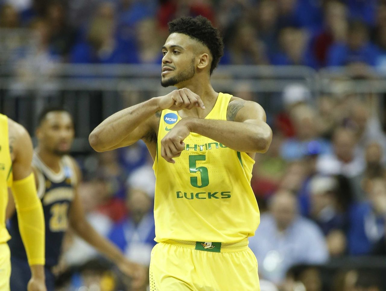 Cropped 2017 03 24t010955z 1502183503 nocid rtrmadp 3 ncaa basketball ncaa tournament midwest regional oregon vs michigan
