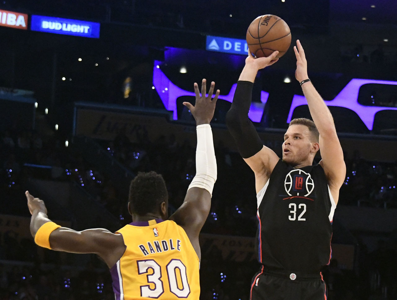 Cropped 2017 03 22t025102z 1525608284 nocid rtrmadp 3 nba los angeles clippers at los angeles lakers