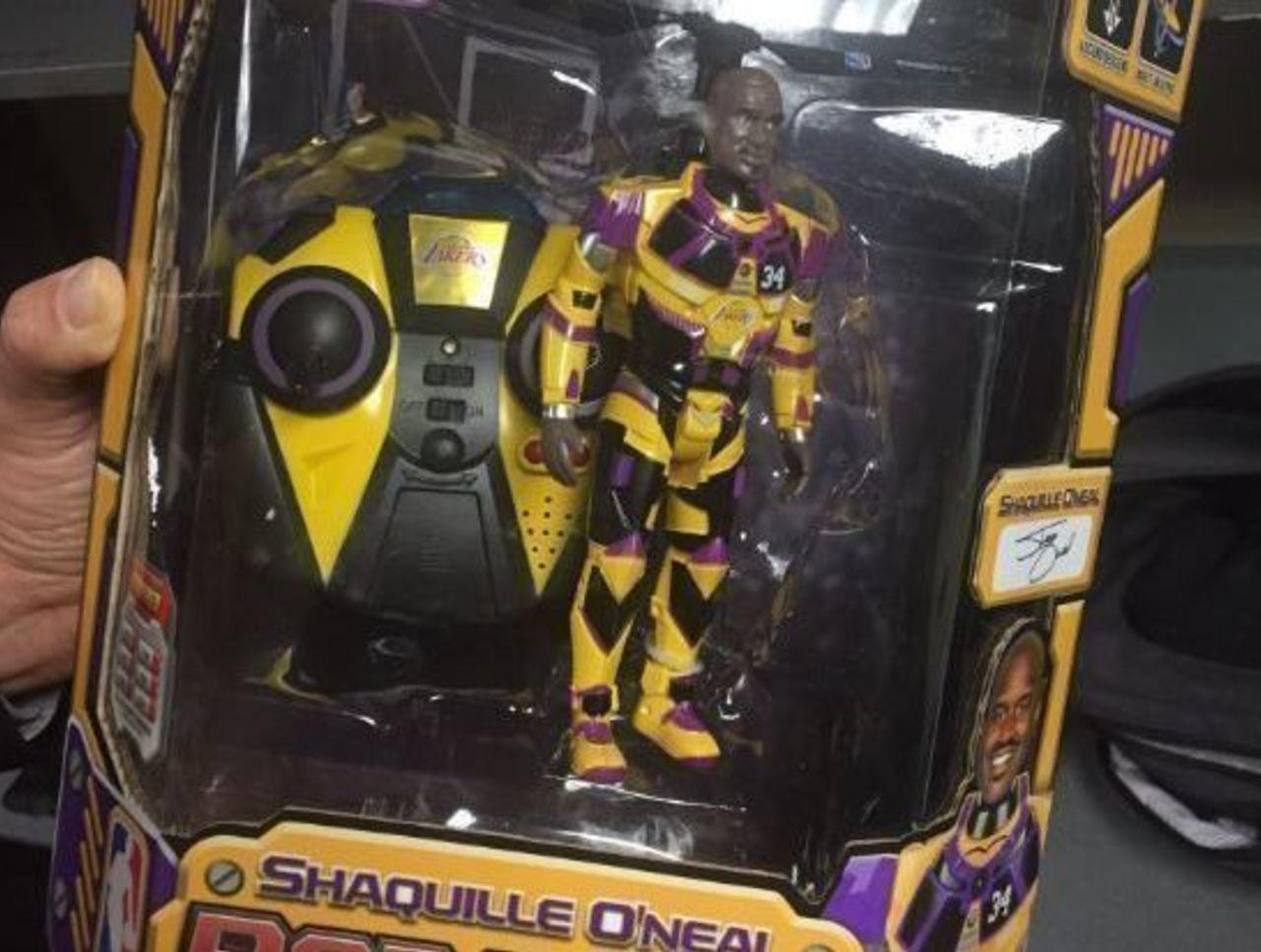 Cropped shaq robo