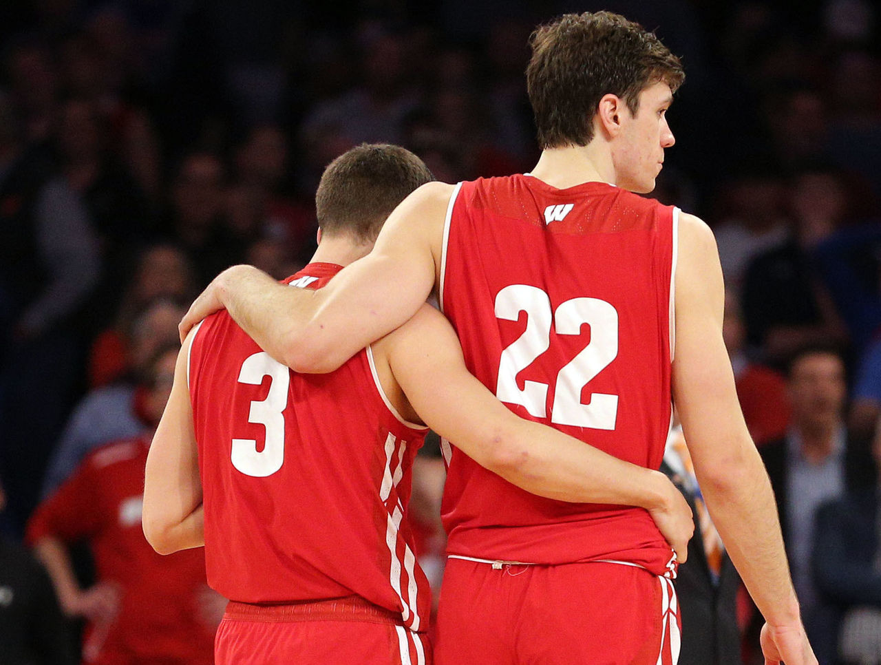 Cropped_2017-03-25t050441z_1722182968_nocid_rtrmadp_3_ncaa-basketball-ncaa-tournament-east-regional-wisconsin-vs-florida