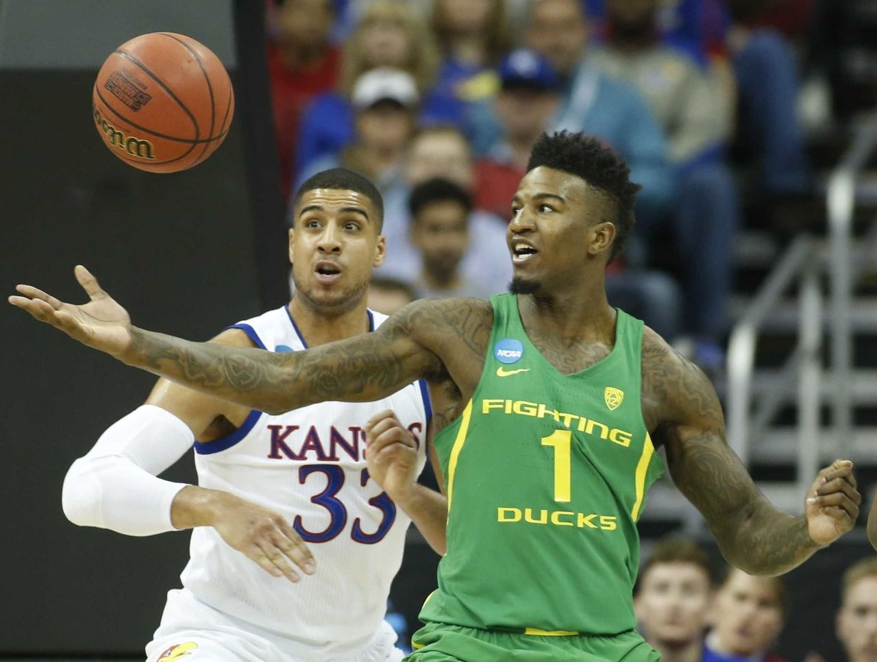 Cropped 2017 03 26t010442z 1948022315 nocid rtrmadp 3 ncaa basketball ncaa tournament midwest regional kansas vs oregon