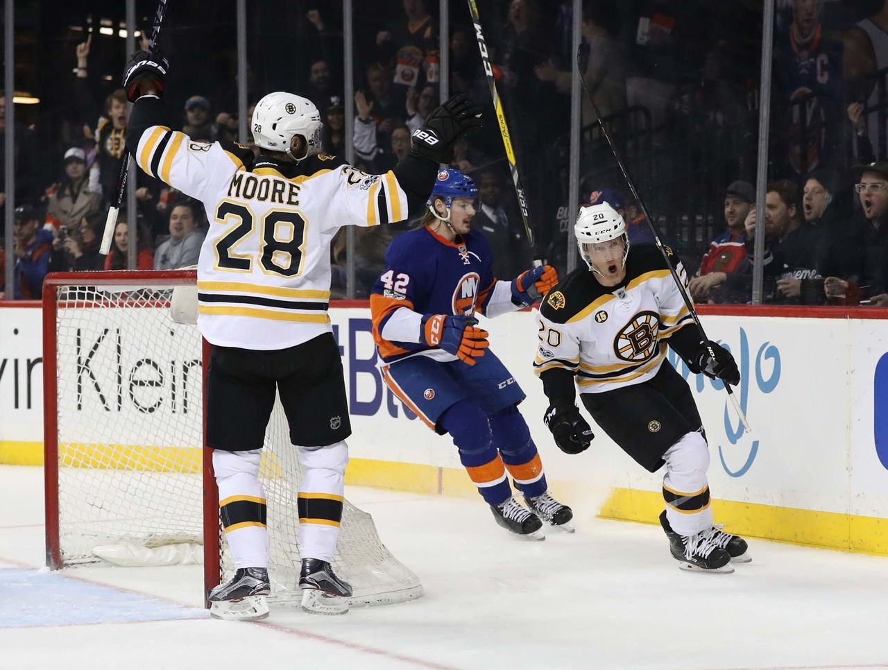 Cropped_2017-03-26t000132z_1332087353_nocid_rtrmadp_3_nhl-boston-bruins-at-new-york-islanders