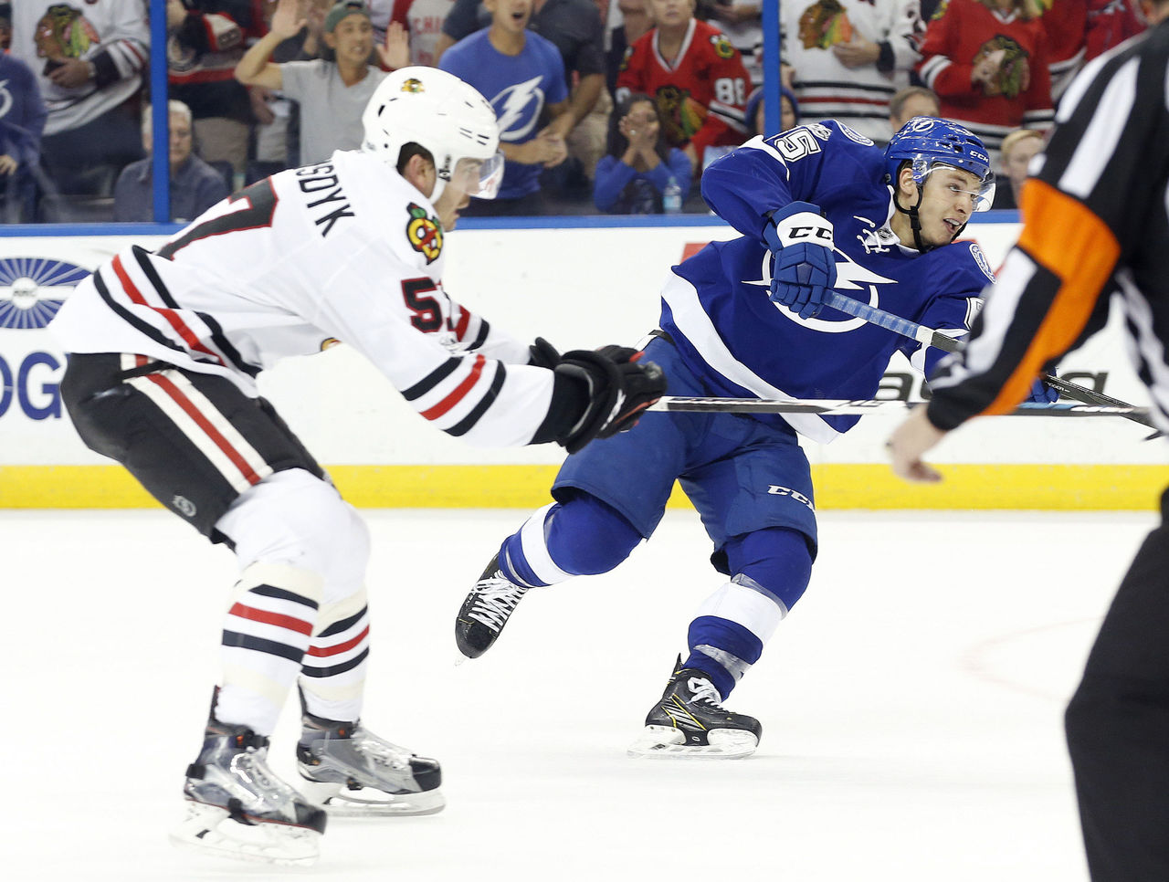 Cropped 2017 03 28t024559z 346268209 nocid rtrmadp 3 nhl chicago blackhawks at tampa bay lightning