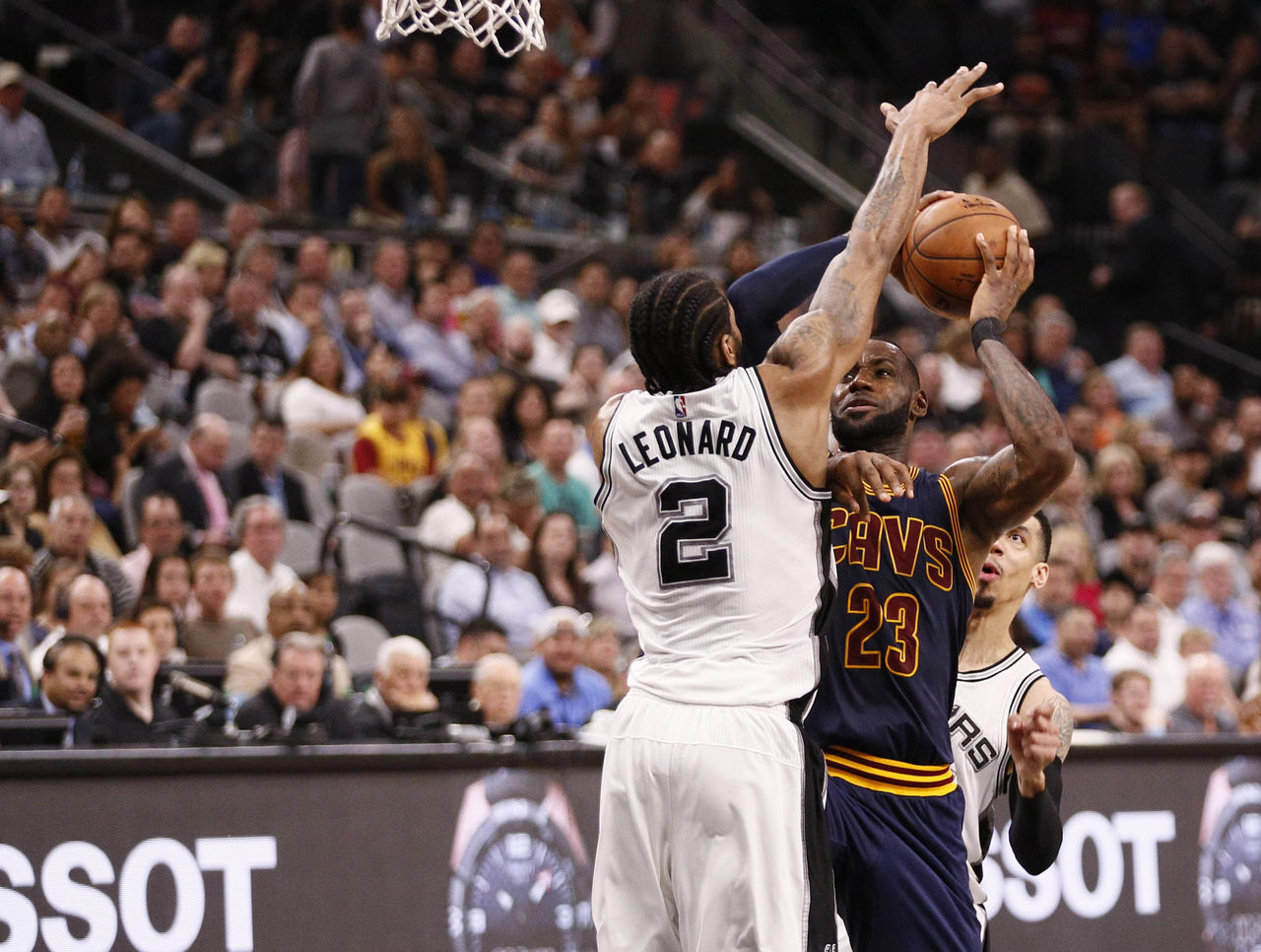 Cropped 2017 03 28t015938z 222088981 nocid rtrmadp 3 nba cleveland cavaliers at san antonio spurs