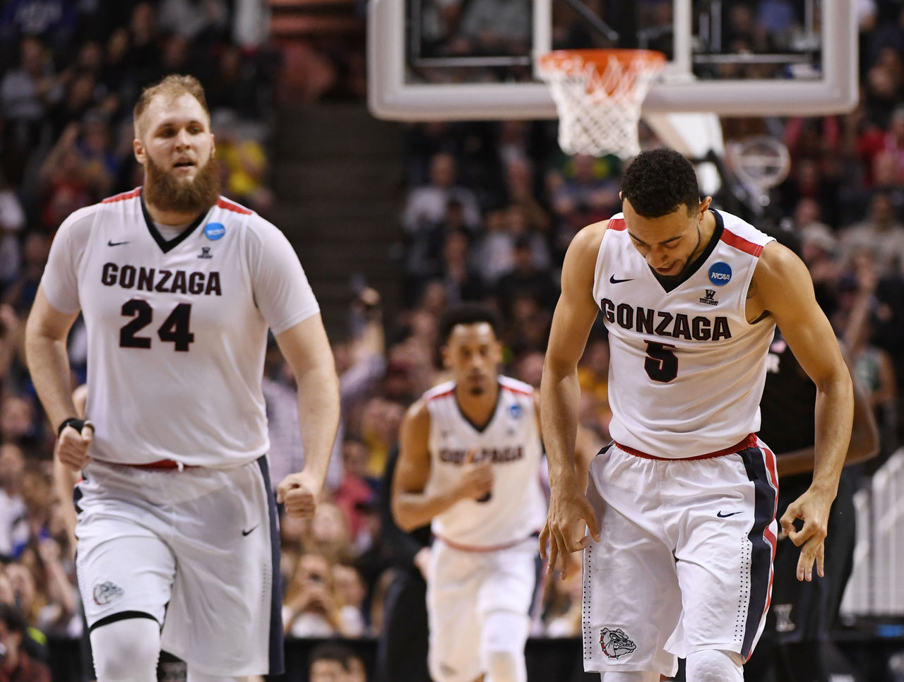Cropped_2017-03-25t224548z_1079809684_nocid_rtrmadp_3_ncaa-basketball-ncaa-tournament-west-regional-gonzaga-vs-xavier