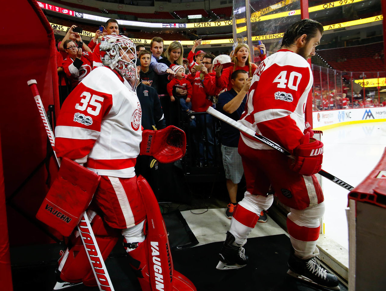 Cropped_2017-03-28t032457z_446529416_nocid_rtrmadp_3_nhl-detroit-red-wings-at-carolina-hurricanes