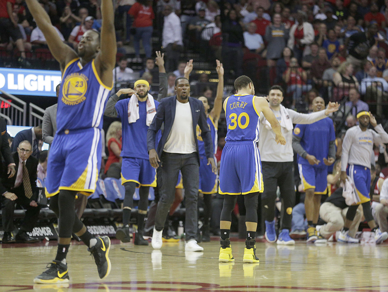 Cropped 2017 03 29t031117z 1560986040 nocid rtrmadp 3 nba golden state warriors at houston rockets
