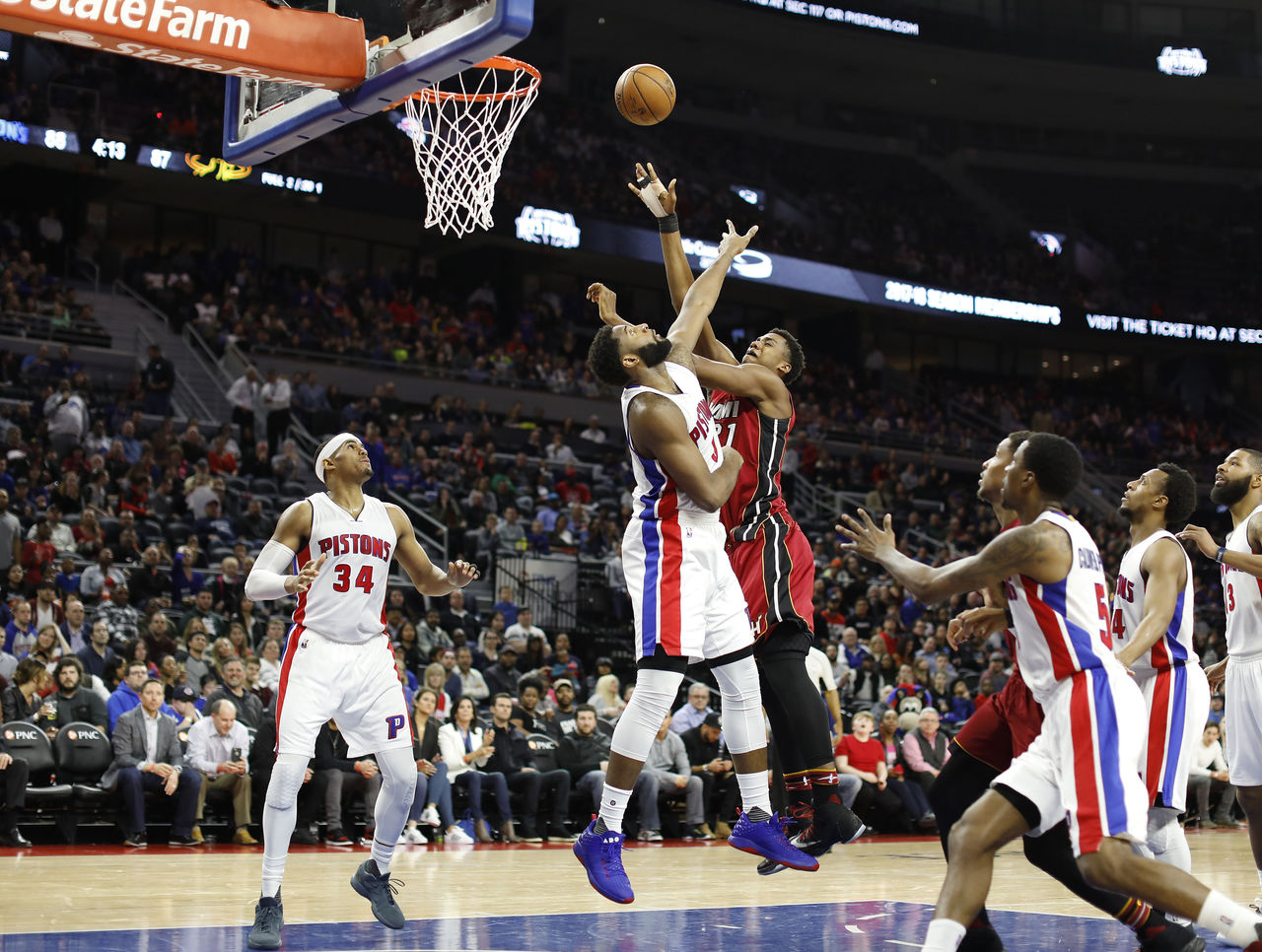 Cropped_2017-03-29t024031z_838974201_nocid_rtrmadp_3_nba-miami-heat-at-detroit-pistons