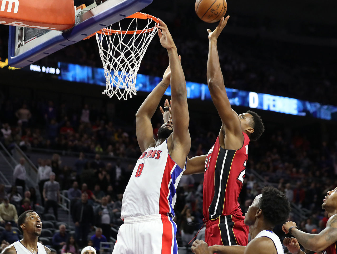 Cropped 2017 03 29t024008z 2143696623 nocid rtrmadp 3 nba miami heat at detroit pistons