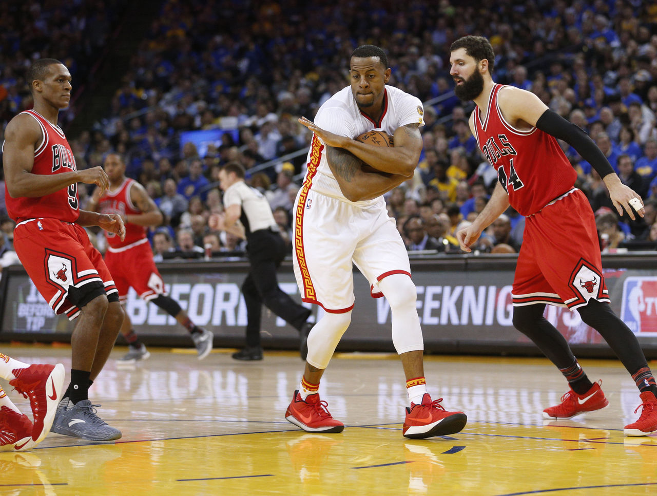 Cropped 2017 02 09t063358z 490883597 nocid rtrmadp 3 nba chicago bulls at golden state warriors