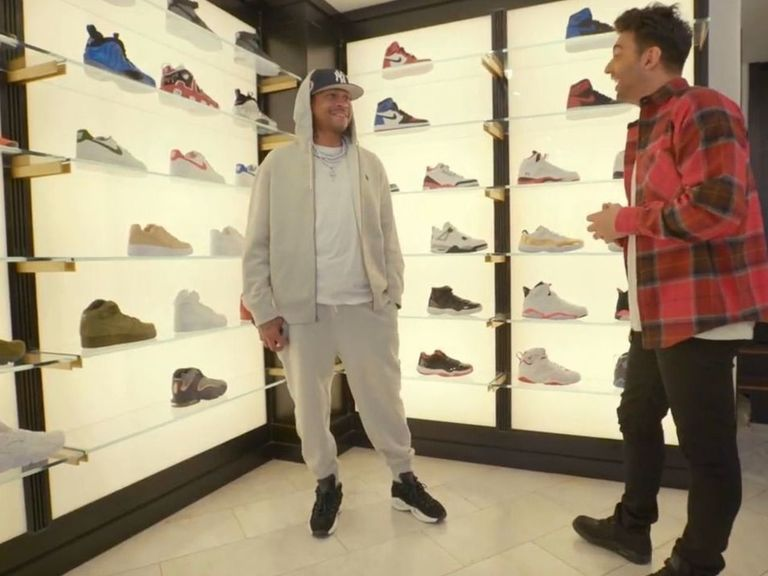 Watch: Iverson goes sneaker shopping in Philly