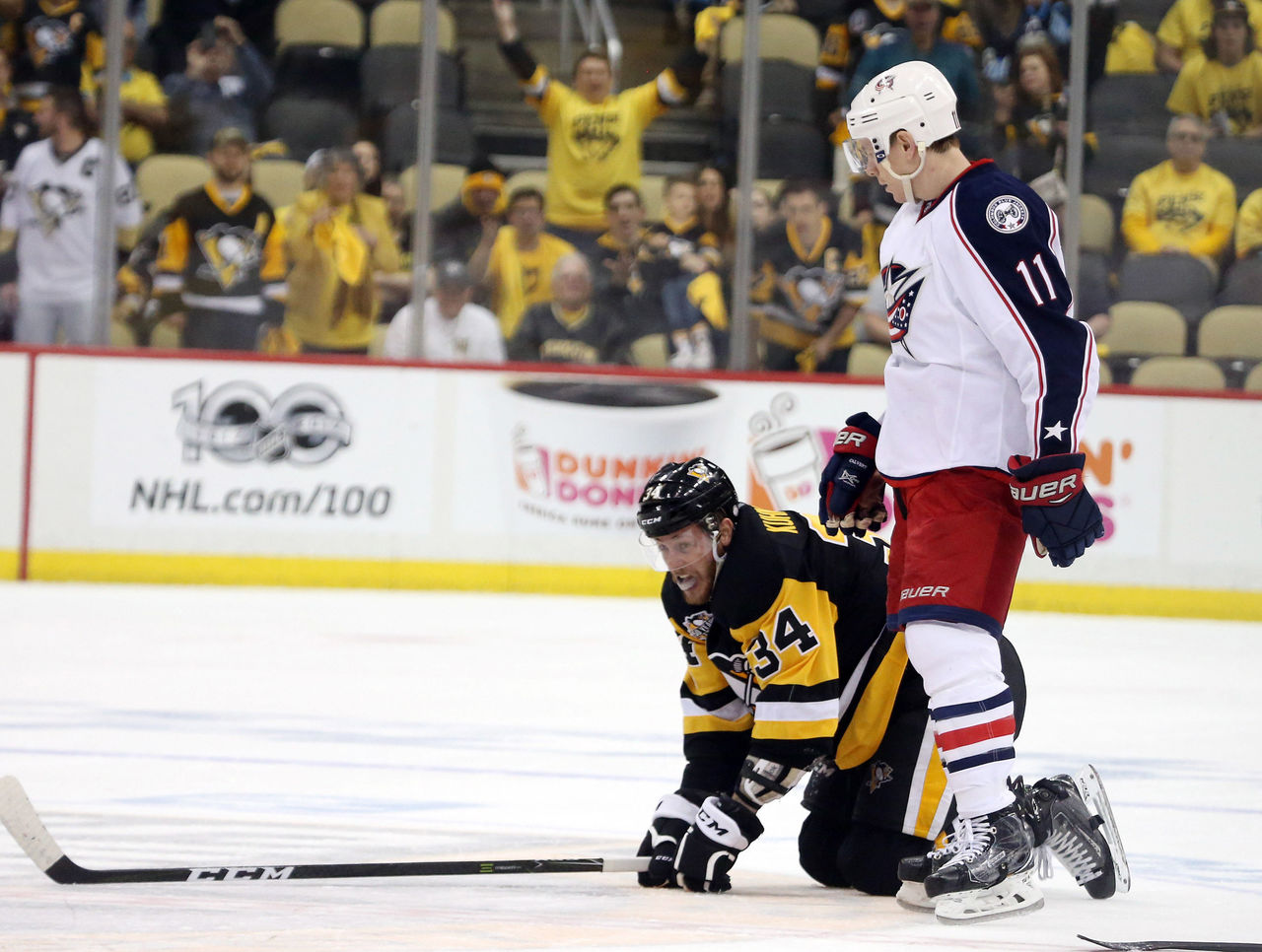 Watch: Blue Jackets' Calvert breaks stick on cross-check to ...