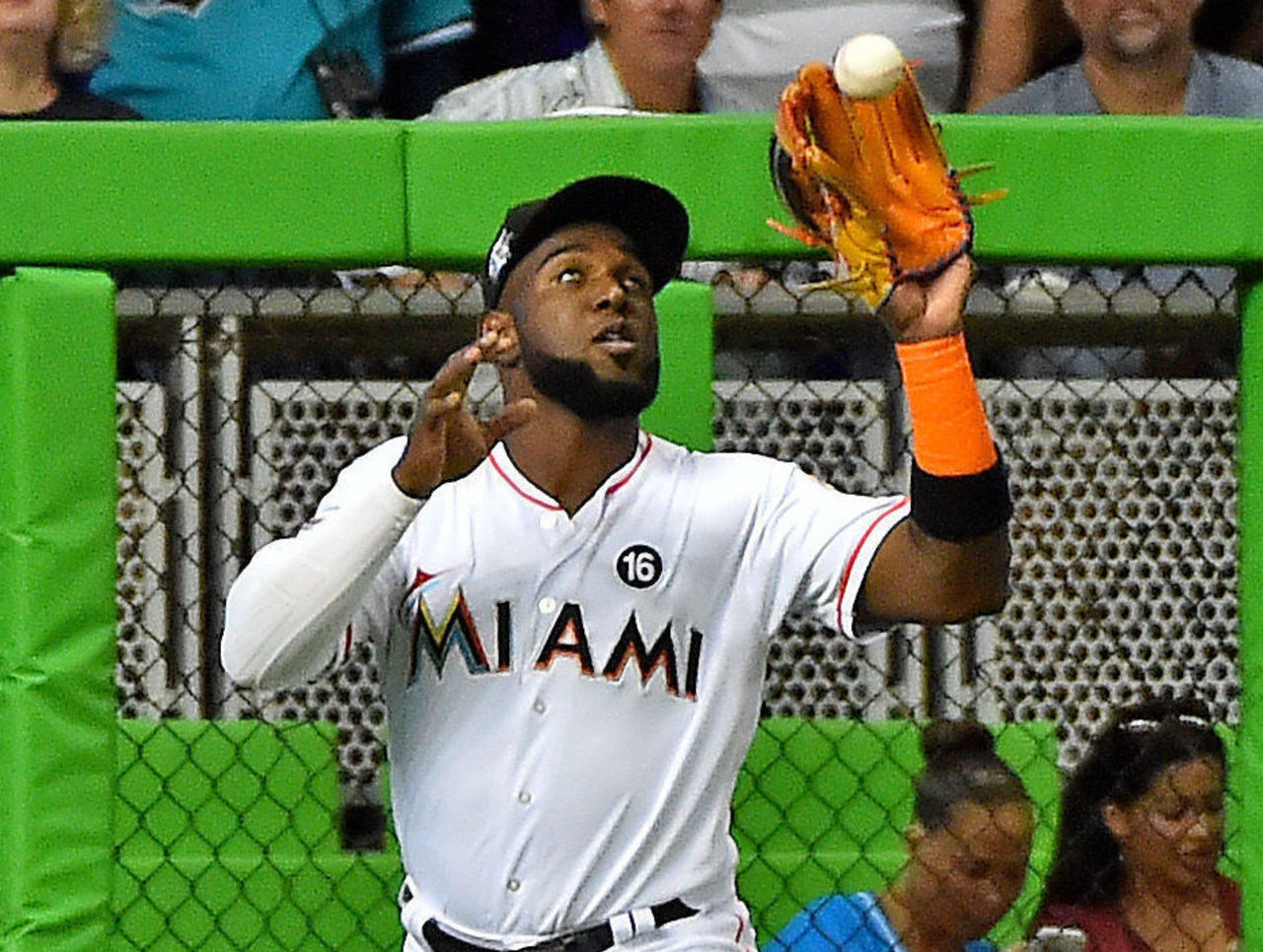 Cropped 2017 04 14t003732z 2075458657 nocid rtrmadp 3 mlb new york mets at miami marlins