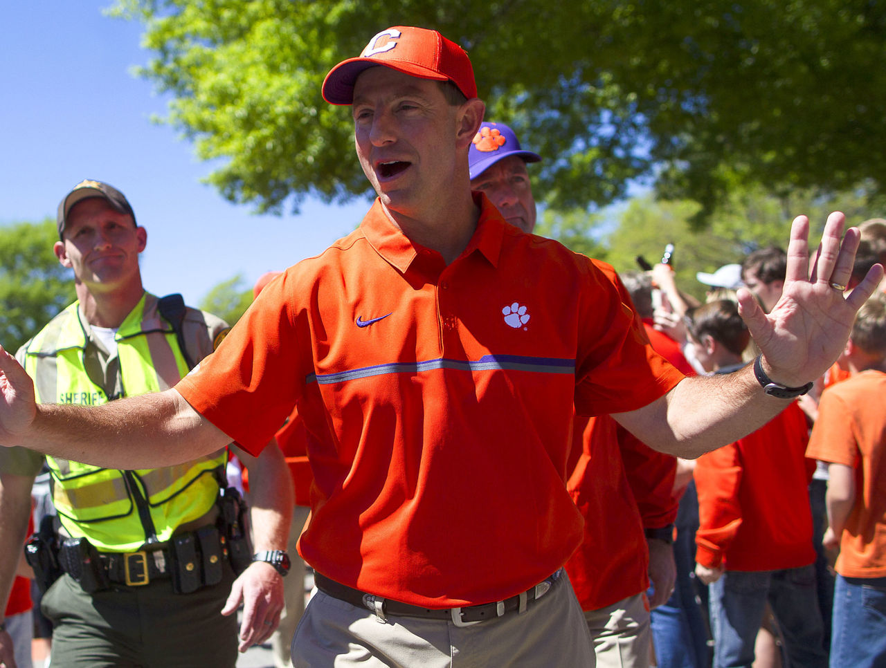 Cropped_2017-04-08t184353z_2023628466_nocid_rtrmadp_3_ncaa-football-clemson-spring-game