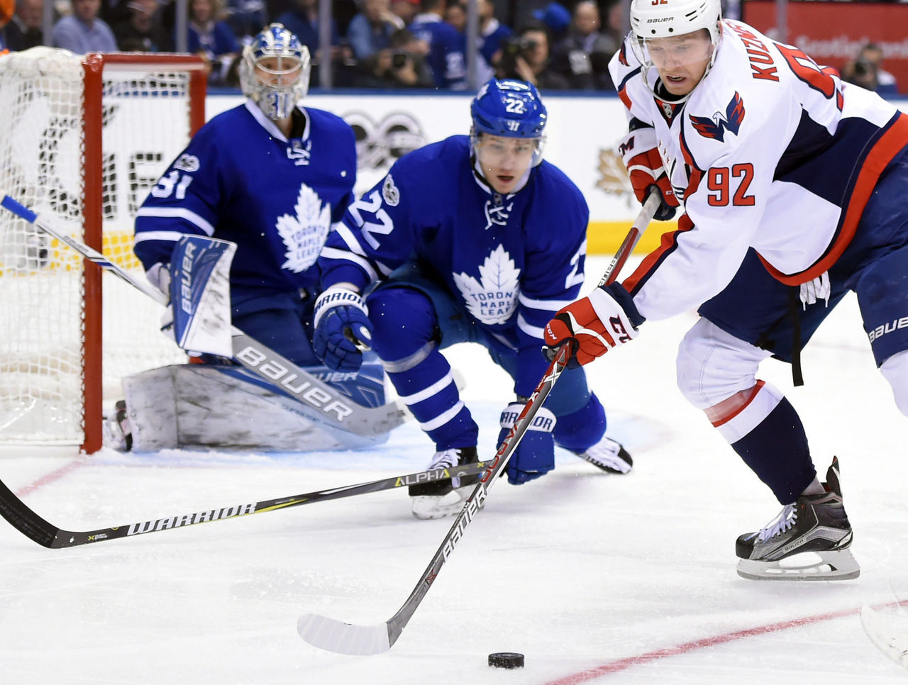 Cropped 2017 04 18t024028z 487306892 nocid rtrmadp 3 nhl stanley cup playoffs washington capitals at toronto maple leafs
