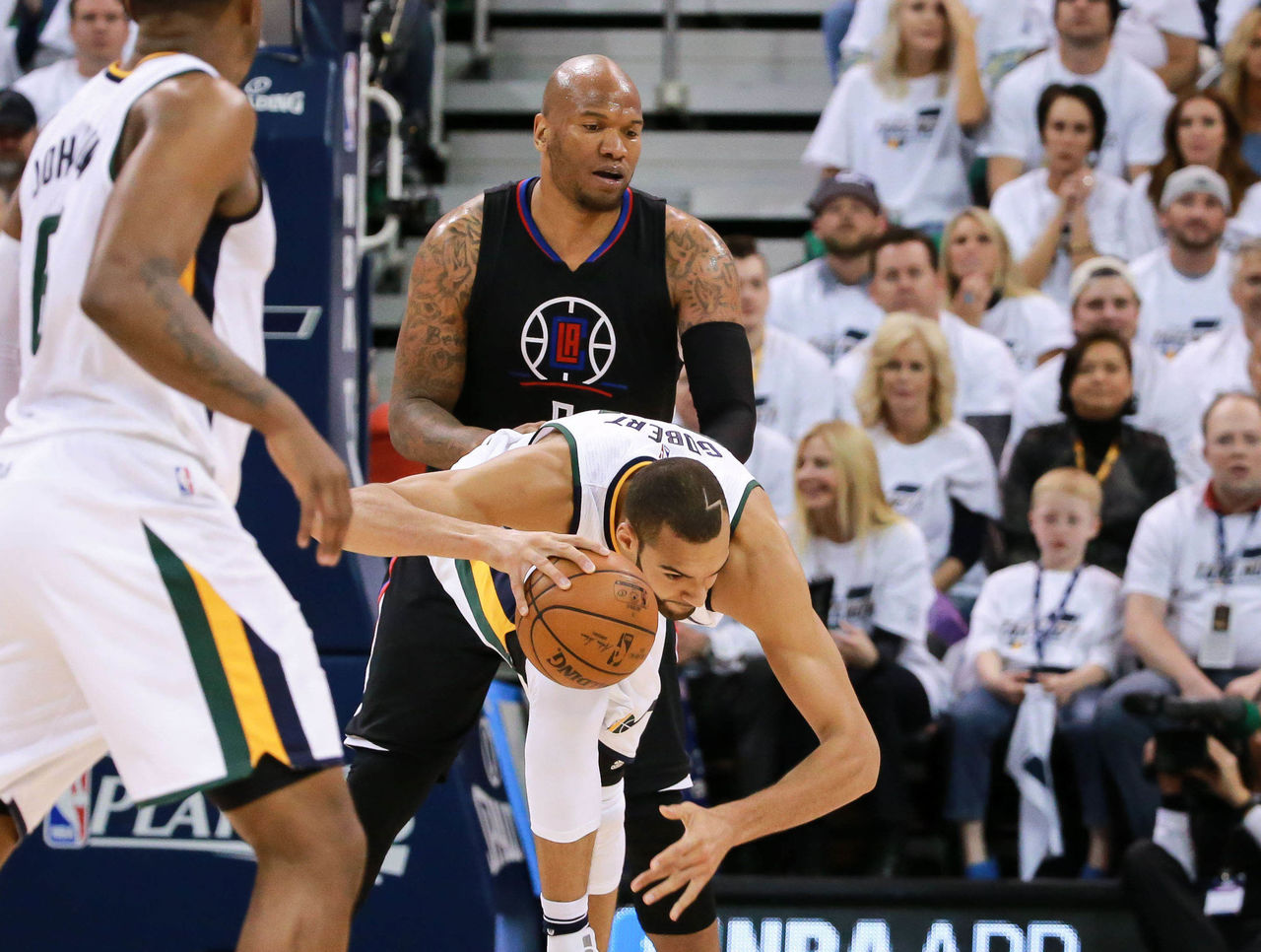 Cropped_2017-04-29t034838z_1313710789_nocid_rtrmadp_3_nba-playoffs-los-angeles-clippers-at-utah-jazz