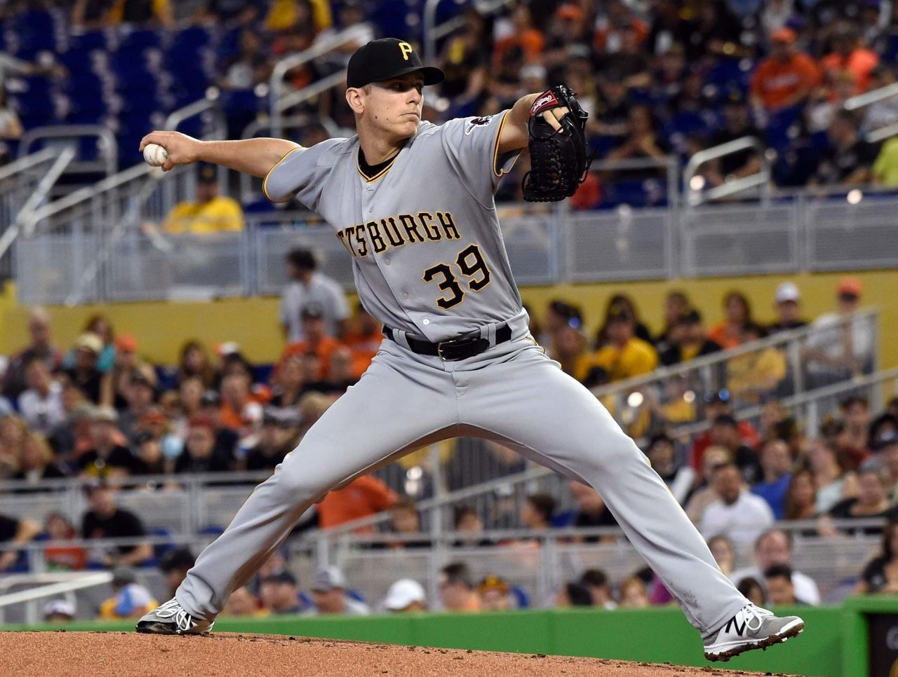 Cropped 2017 04 30t184018z 963180536 nocid rtrmadp 3 mlb pittsburgh pirates at miami marlins