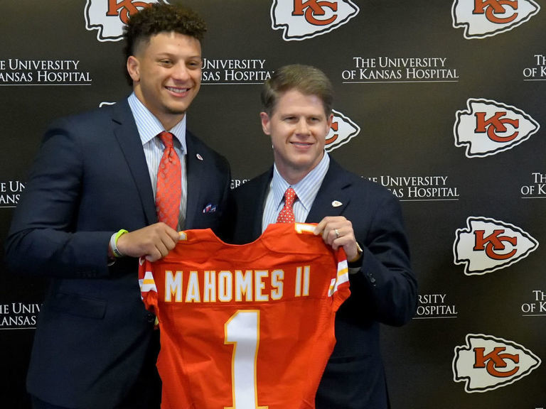 Mahomes' agent reveals which teams were interested in drafting client