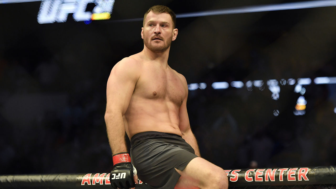 Cropped 2017 05 14t052720z 2125659363 nocid rtrmadp 3 mma ufc 211 miocic vs dos santos