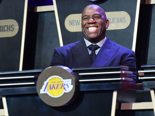 Report: Lakers looking to acquire additional 1st-round pick