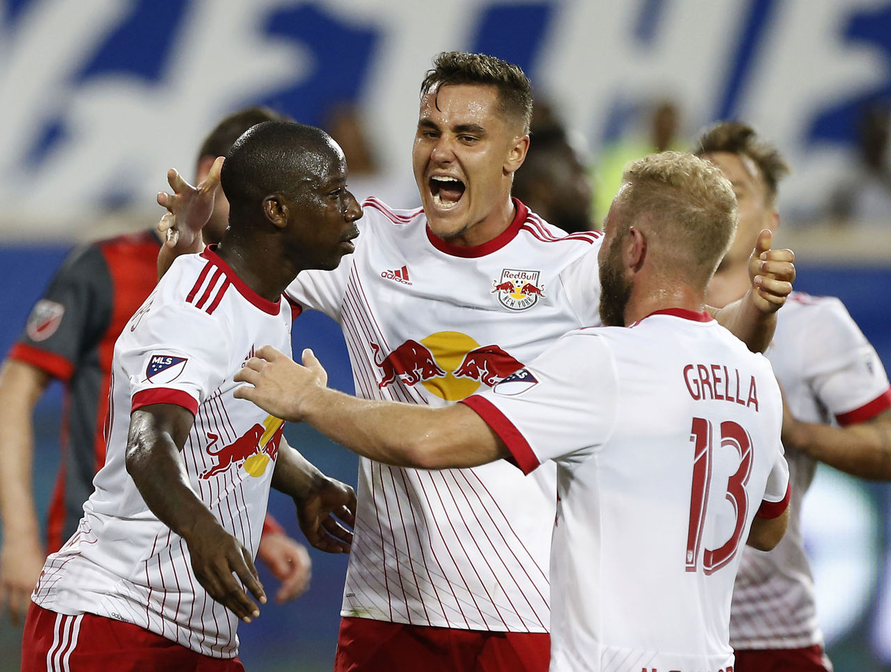 Cropped_2017-05-20t003547z_1310345301_nocid_rtrmadp_3_mls-toronto-fc-at-new-york-red-bulls