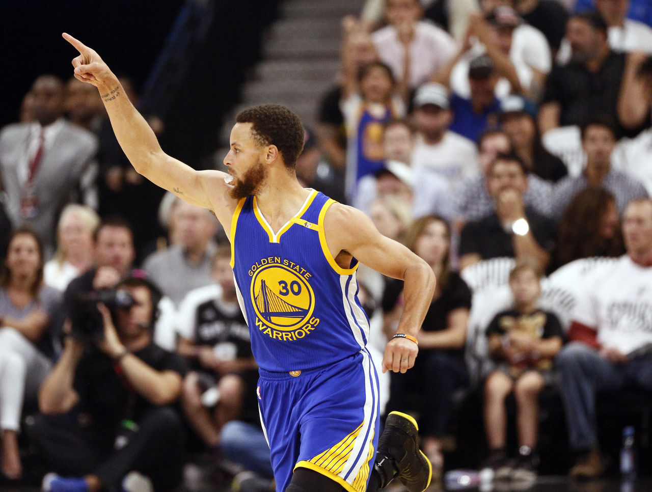 Cropped 2017 05 21t020916z 1351837143 nocid rtrmadp 3 nba playoffs golden state warriors at san antonio spurs
